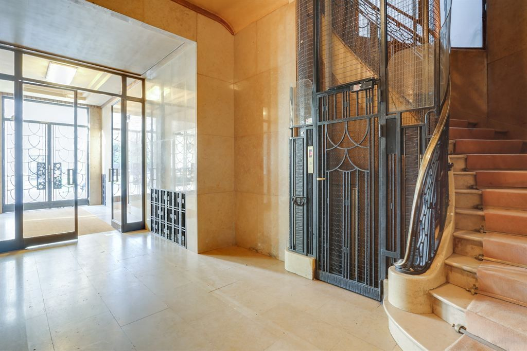 apartment 8 rooms for rent , PARIS (75007)