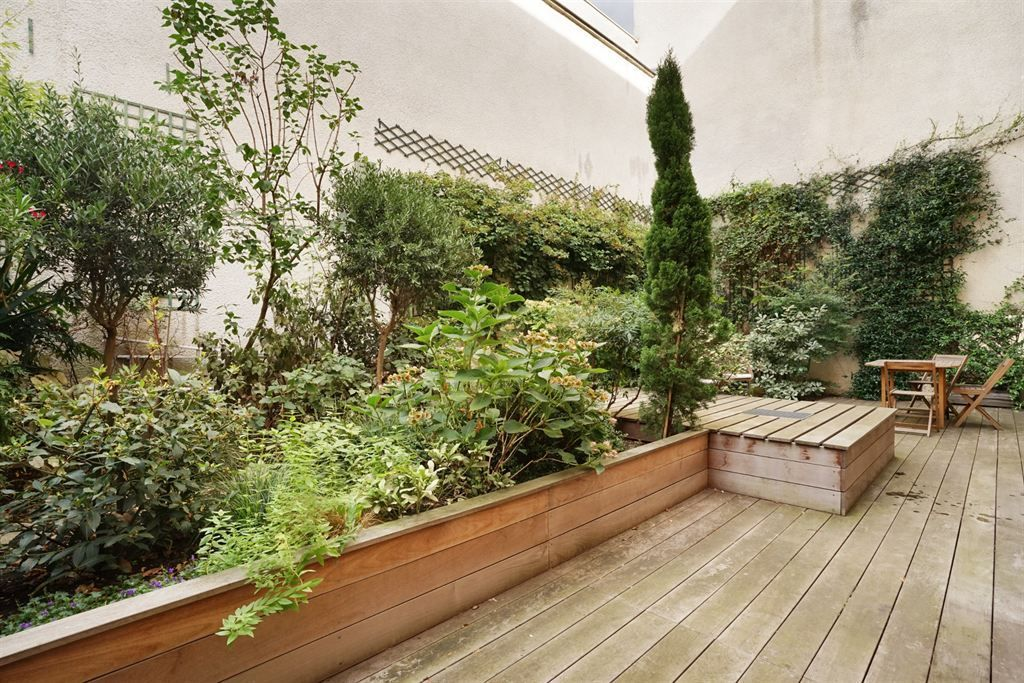 apartment 5 rooms for sale , PARIS (75010)